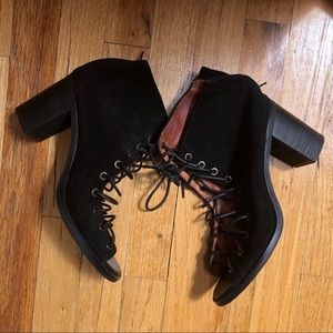 Jeffrey Campbell Lace Up Heels Size 9
